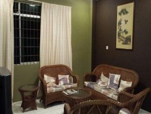 Eden Staycation Apartment Kuching - Living Area
