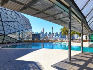 Astral Tower and Residences at The Star Sydney - Swimming Pool