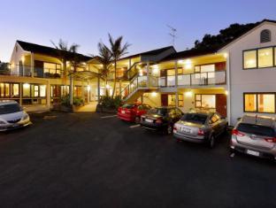 Whangaparaoa Lodge Motel