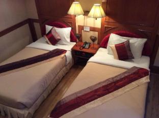 รูปแบบ/รูปภาพ:The Promenade Hotel