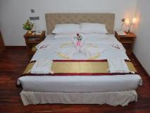 Paragon Hotel: guest room