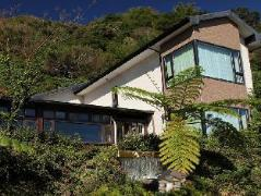 Crossing the Rainbow Bridge Bed and Breakfast | Taiwan Budget Hotels