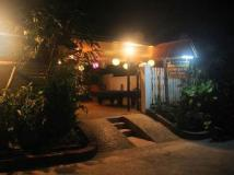 LPQ Backpackers Hostel: exterior