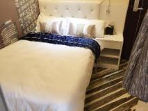 Move Inn: guest room