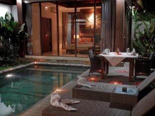 Umae Villa Bali - Swimming Pool
