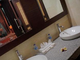 Umae Villa Bali - Bathroom