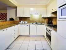 Wyndel Apartments - Shore Mark: kitchen
