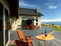 Parautane Lodge | New Zealand Budget Hotels