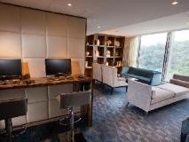 Dorsett Tsuen Wan Hong Kong: executive lounge