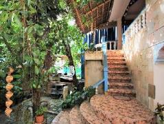 Blue Bamboo Hostel Philippines