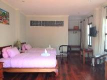 Villa Senesouk Riverside: guest room