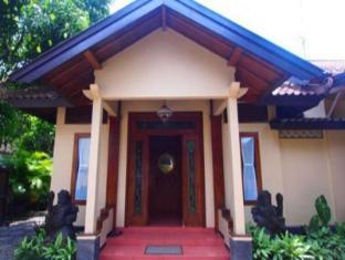 Omah Kerten Solo Guesthouse