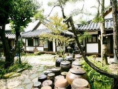 Baekryun Village Hanok Guesthouse