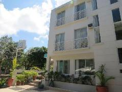 Philippines Hotels   Residencia Laiya Beach House Inn