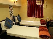 Russian Hostel: guest room