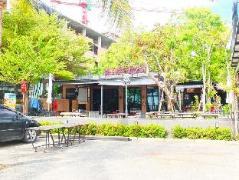 Heart Beach Resort   Chonburi Hotel Discounts Thailand