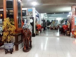 /thairungruang-backpackers-suratthani/hotel/suratthani-th.html?asq=jGXBHFvRg5Z51Emf%2fbXG4w%3d%3d