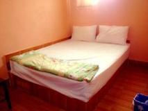 Souksamlan Guesthouse: guest room