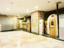 Shell Motel: lobby