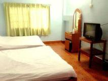 Bouasy Guesthouse: guest room