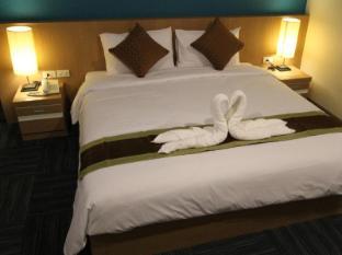 S Tara Grand Hotel Suratthani - Guest Room
