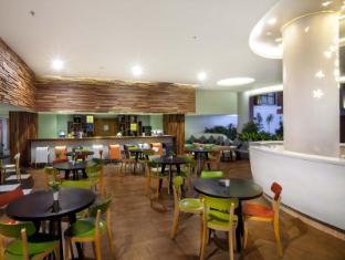 ION Bali Benoa Hotel Bali - Cafetería