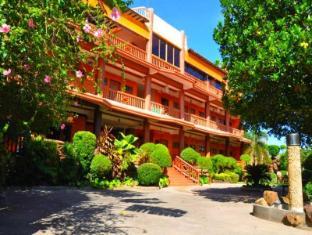 /zemkamps-chalet/hotel/guimaras-island-ph.html?asq=jGXBHFvRg5Z51Emf%2fbXG4w%3d%3d