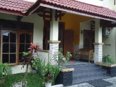 Omah Waris Family Guest House, Indonesia