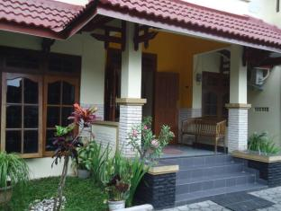 Omah Waris Family Guest House