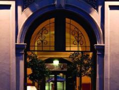 Ansonia on Lydiard Hotel