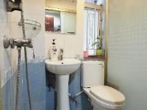 Everest Guest House: bathroom