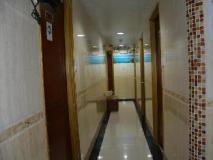 Everest Guest House: lobby