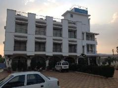 Revenir Holidays Hotel | India Budget Hotels