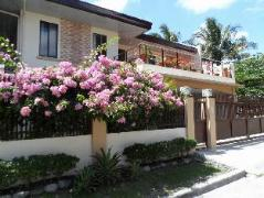 Philippines Hotels | Continents Bed and Breakfast