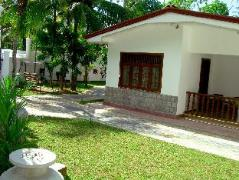 Bandhusena House and Apartment | Sri Lanka Budget Hotels
