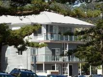 Bujerum Apartments on Burleigh: exterior