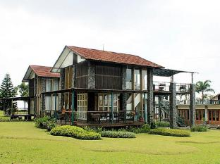 Adelia Villa Lembang
