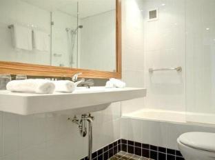 Cambridge Hotel Sydney Sydney - Bathroom