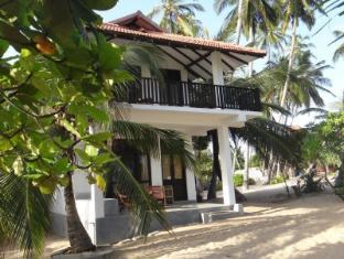 Pastissade Beach Hotel
