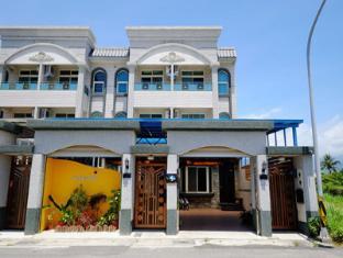 Cola Hotel III Ocean Tale B & B