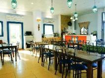 Sine Ya Hostel: restaurant