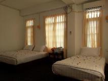 Richland Motel: interior