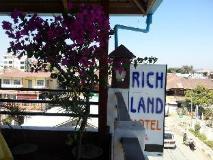 Richland Motel: view