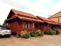Vannida Hotel and Bungalow: