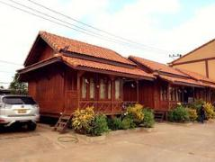 Hotel in Thakhek | Vannida Hotel and Bungalow
