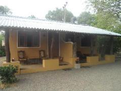 Holiday Cottage | Sri Lanka Budget Hotels