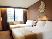 Ramada Kowloon Hotel: guest room