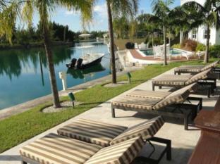/dolphin-cove/hotel/freeport-bs.html?asq=jGXBHFvRg5Z51Emf%2fbXG4w%3d%3d