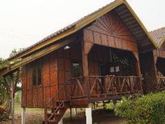 Laos Hotel | Sainamhai Resort