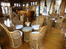 The Serenity Inle Resort: pub/lounge